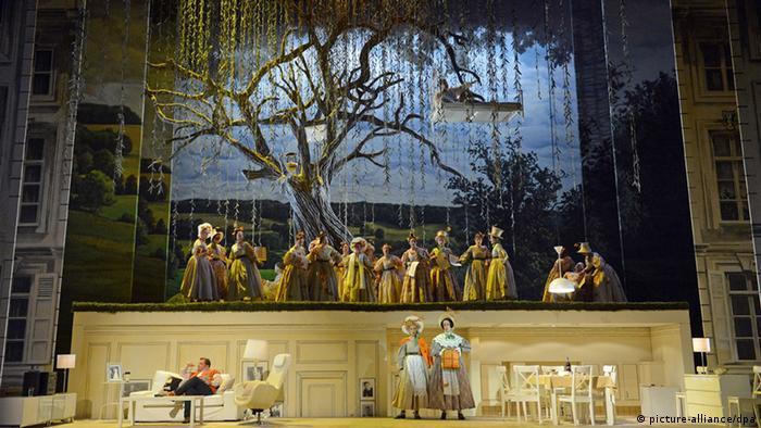 Aufführung von Richard Wagners Oper Die Feen auf der Bühne des Opernhauses Leipzig