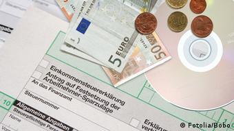 Tο 49,4% του συνολικού εργατικού κόστους ενός άγαμου και άτεκνου εργαζόμενου με μέσο εισόδημα καταλήγει στα δημόσια ταμεία