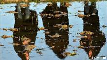 Fotografieren mit Hilfe vom Schatten, Spieglung im Wasser oder einfach um drehen vom Bilder. Bild Hier: Spiegel Bild 3 Frauen im Wasser. Quelle: MEHR Lizenz: Frei