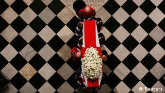 Κηδεία με κρατική δαπάνη και τιμές ανάλογες με εκείνες στην κηδεία του Γουίστον Τσώρτσιλ