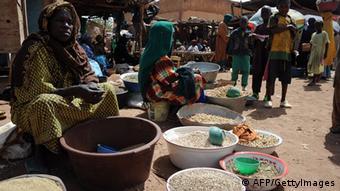 A Douentza, dans un marché de vente de denrées alimentaires (Archives - 05.02.2013)