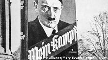 Advertisement hoarding for Mein Kampf (My Struggle) by Adolf Hitler. It must have worked - by 1939 5.2 million copies had been sold. Date: (Mary Evans Picture Library) Keine Weitergabe an Drittverwerter., Nur für redaktionelle Verwendung.