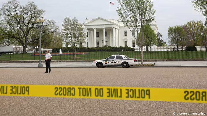 1447007 USA, Washington. 04/16/2013 The territory around the White House is cordoned off. Access to the White House was restricted following explosions in Boston. Ekaterina Chesnokova/RIA Novosti