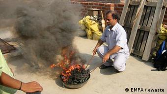 Burning electrical waste in India