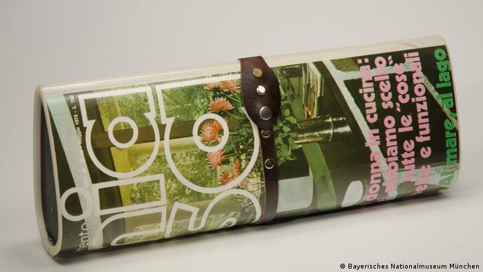 Bayerisches Nationalmuseum - Handtasche in Zeitschriftenformat