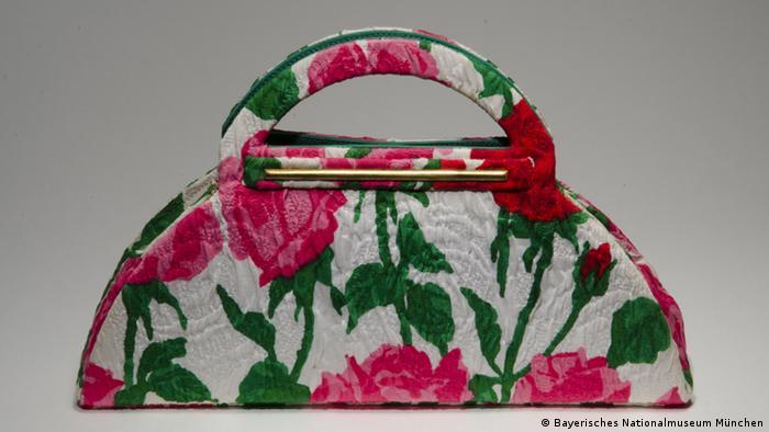 Bayerisches Nationalmuseum - Handtasche von Christian Lacroix