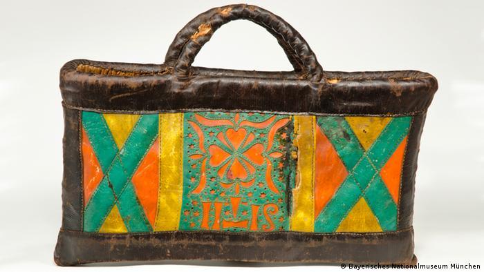 Bayerisches Nationalmuseum - Ländliche Frauentasche