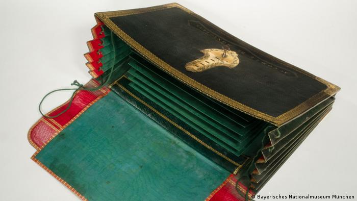 Bayerisches Nationalmuseum - Aktenmappe von Maximilian Graf von Montgelas