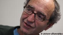 Der deutsche Schriftsteller türkischer Abstammung, Dogan Akhanli, am Freitag (07.01.2011) in Köln. Foto: Oliver Berg dpa/lnw