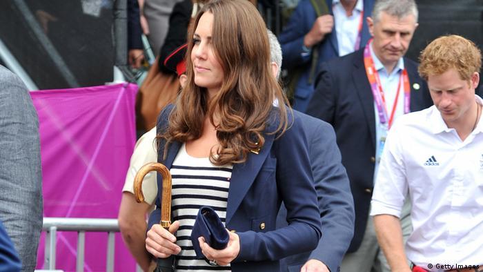 Kate Middleton mit Handtasche