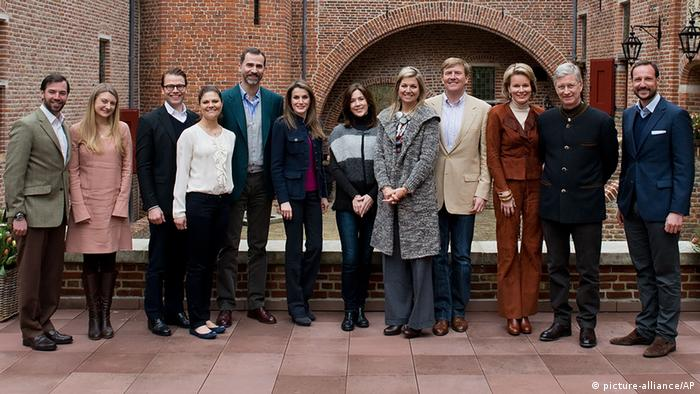 Dutch Crown Prince Willem Alexander, fourth from right, and Princess Maxima, fifth from right, pose with their invited guests at the hunting castle t'Oude Loo in Apeldoorn, Netherlands, Saturday March 2, 2013. From left to right are Duke and Duchess Guillaume and Stephanie of Luxembourg, Prince Daniel and Crown Princess Victoria of Sweden, Prince Felipe and Princess Letizia of Spain, Crown Princess Mary of Denmark, Princess Maxima, Crown Prince Willem Alexander, Princess Mathilde en Prince Filip of Belgium and Crown Prince Haakon of Norway. (Photo: AP Photo/RVD, Jeroen van der Meyde)