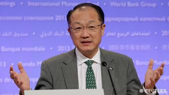 World Bank President Jim Yong Kim speaks at a news conference of the 2013 Spring Meeting of the International Monetary Fund and World Bank in Washington April 18, 2013 (Foto: Reuters)