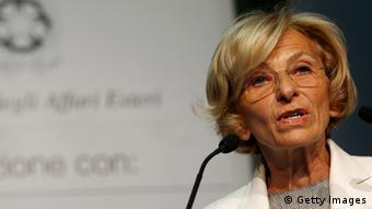 Έμα Μπονίνο, νέα υπουργός Εξωτερικών...