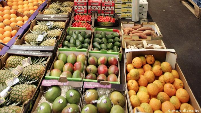 Obst Früchte Großhandel Markt Mango, Ananas, Orange