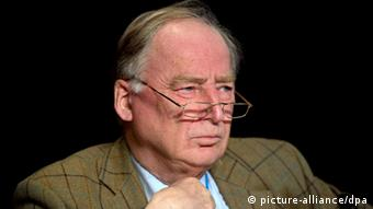 Portrait of Alexander Gauland, one of the founders of the AfD (Alternative for Germany), at the party's first convention in Berlin. (Photo: Marc Tirl/dpa)