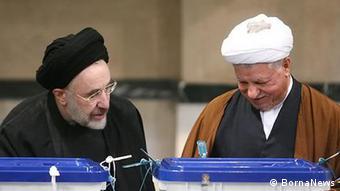 به گفته روحانی اکبر هاشمی رفسنجانی و محمد خاتمی در شکلگیری ائتلاف جبهه اصلاحات و جببه اعتدال نقش اصلی را بر عهده داشتهاند