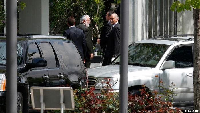 An Israeli delegation arrives at the Turkish Foreign Ministry to hold talks on compensation for families of victims killed in a 2010 naval raid on Turkish-led humanitarian-aid convoy to Gaza (Photo: REUTERS/Umit Bektas)