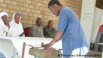 Addis Abeba, Äthiopien, Aufgenomen von unser Kori. ,Yohannes Gebereegziabher in Wahlurnen. Titel Wahlen in Addis Abebe Schlagworte Wahlurnen Datum 21 04 2013 Fotograf Gebereegziabher,Yohannes