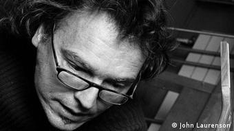 The Swiss guitar maker, Jean-Michel Capt (Photo: Anne-Lise Vullioud, März 3013)