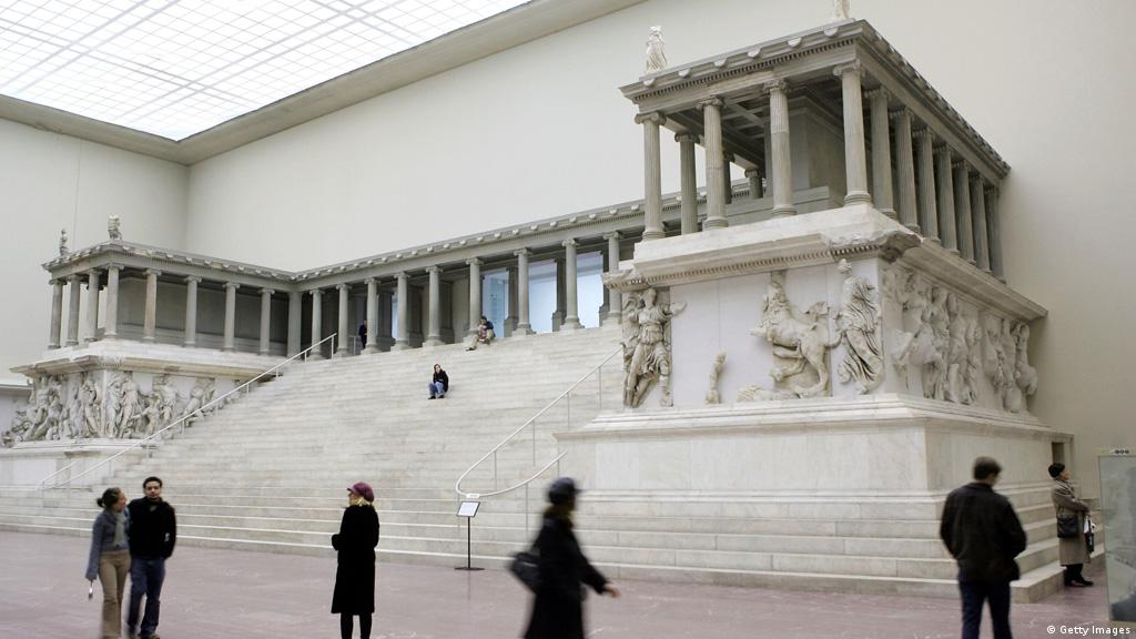 Berlin S Pergamon Museum Will Spend Next Eight Years Without Its Famous Altar Culture Arts Music And Lifestyle Reporting From Germany Dw 10 11 2016