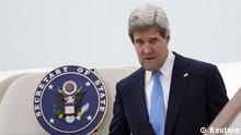 US Secretary of State John Kerry exits his government aircraft (Foto: Reuters) / Eingestellt von wa