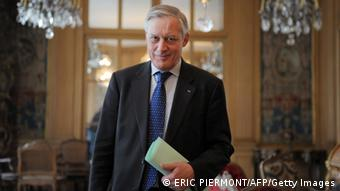 Όρια στην αγορά ομολόγων από την ΕΚΤ προτείνει ο Κριστιάν Νοϊέρ