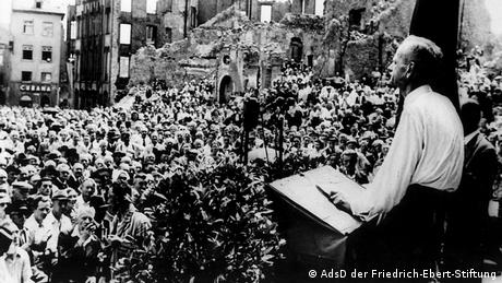 SPD chairman Kurt Schumacher speaking in Frankfurt in 1946 