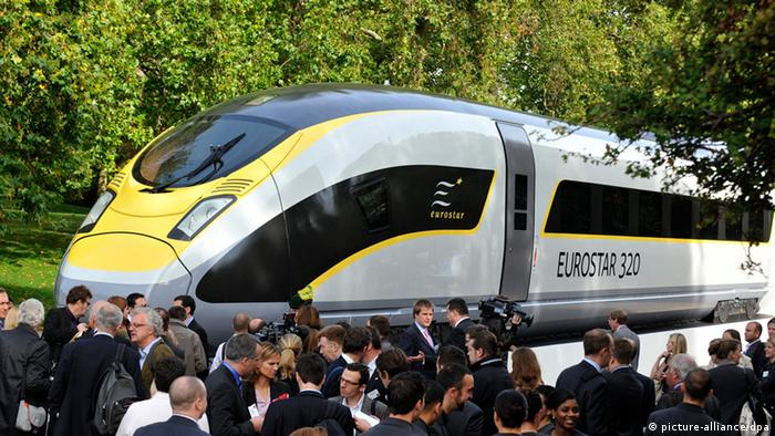 A Siemens Eurostar train Photo: EPA/ANDY RAIN (Zu dpa 0722 vom 22.04.2013) +++(c) dpa - Bildfunk+++