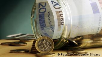 Slowakei Euro Münze und Euro Banknote Glas