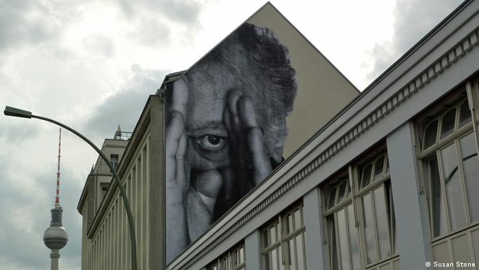 Работа JR в Берлине