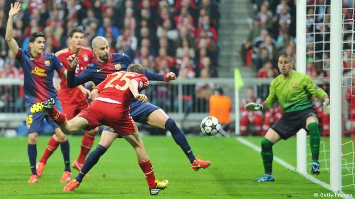 Thomas Müller schießt aufs Tor (Foto: Stuart Franklin/Bongarts/Getty Images)