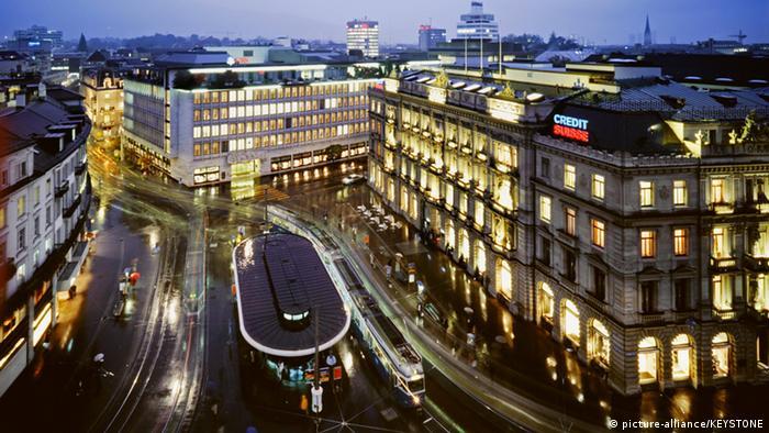 Schweiz Zürich Paradeplatz Bankenviertel (picture-alliance/KEYSTONE)