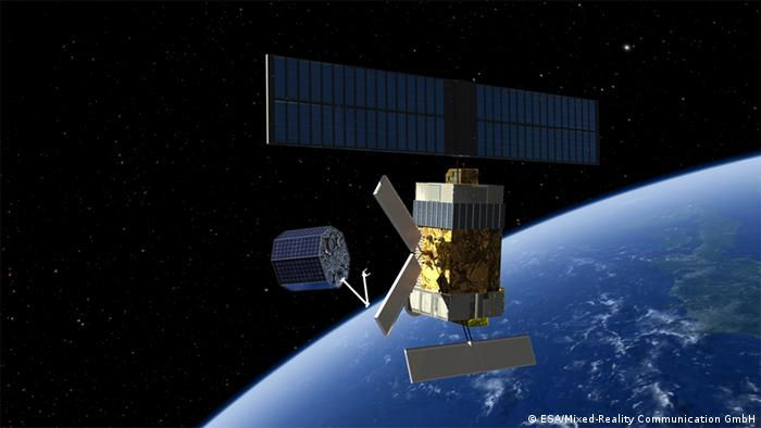 Artist's concept showing how a defunct satellite could be grappled for a controlled reentry into Earth's atmosphere(Photo: ESA/Mixed-Reality Communication GmbH)