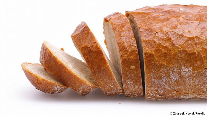مصرف آرد سفید و دیگر فرآوردههای آن، مانند نان و رشته فرنگی، در درازمدت میتواند برای سلامتی انسان مضر باشد.