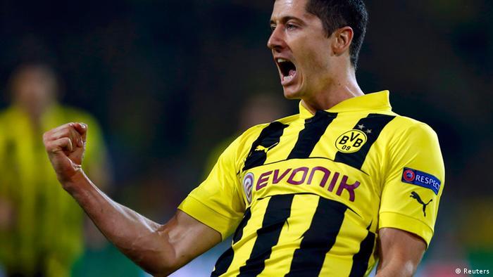 Borussia Dortmunds Robert Lewandowski bejubelt sein Tor. (Foto: REUTERS/Wolfgang Rattay)