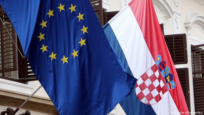 Flags of the European Union and Croatia