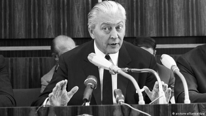 Bundeskanzler Kurt Georg Kiesinger während einer Pressekonferenz am 05.07.1968 (Foto: dpa)
