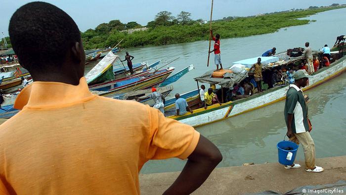 Guinea-Bissau Schiffe im Hafen