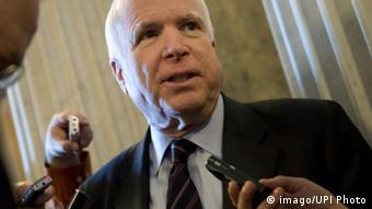 Bildnummer: 59412536 Datum: 22.03.2013 Copyright: imago/UPI Photo Sen. John McCain (R-AZ) talks to reporters as walks to the Senate Chambers for votes related to the budget, on March 22, 2013 at the US Capitol in Washington, D.C. PUBLICATIONxINxGERxSUIxAUTxHUNxONLY Politik people xas x0x 2013 quer premiumd 59412536 Date 22 03 2013 Copyright Imago UPi Photo Sen John McCain r AZ Talks to Reporters As Walks to The Senate Chambers for Votes RELATED to The Budget ON March 22 2013 AT The U.S. Capitol in Washington D C PUBLICATIONxINxGERxSUIxAUTxHUNxONLY politics Celebrities x0x 2013 horizontal premiumd