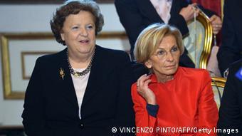 Анна Марія Канчельєрі (л.) та Емма Боніно - не єдині жінки в новому уряді