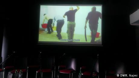 Filmszene Theaterprobe Der deutsche Stuhl nach der PK in Berlin