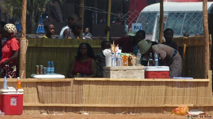 Em Moçambique os vendedores dos mercados são obrigados a pagar taxas diárias