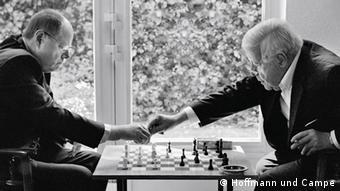 Schachpartie Steinbrück gegen Schmidt