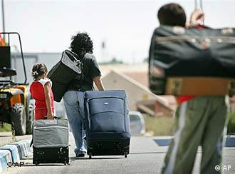 Colonos judeus se retiram de Gaza a contragosto
