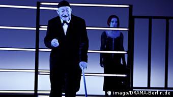 Από την παράσταση «Η όπερα της πεντάρας» (2007)
