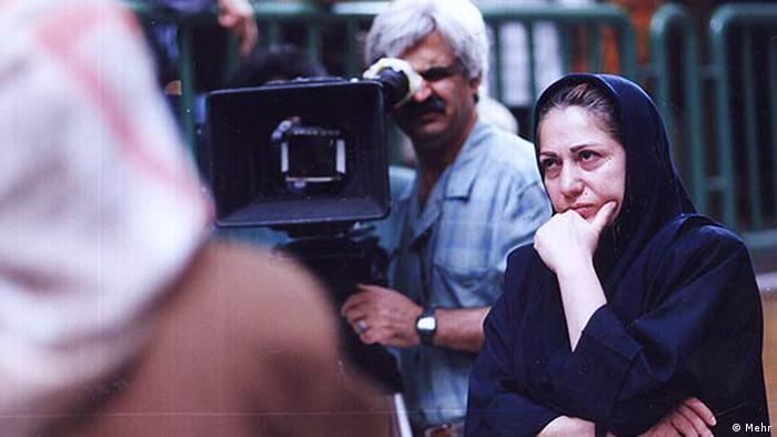 از آغاز فعالیت جشنواره برلین بیش از چهار دهه گذشت تا برای نخستین بار یکی از فیلمسازان زن سینمای ایران در برلیناله حضور یافت. در سال ۱۹۹۳ فیلم نرگس، ساختهی رخشان بنیاعتماد در بخش فورم برلیناله به نمایش درآمد.