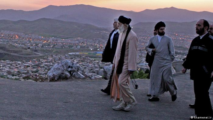 حمیدرضا فروزانفر: میان پسران آقای خامنهای از همه تودارتر، مرموزتر و موذیتر مجتبی خامنهای است