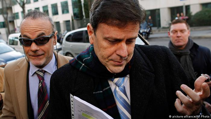 FILE - In this Jan. 28, 2013 file photo, doctor Eufemiano Fuentes arrives at a court house in Madrid, Spain. (AP Photo/Andres Kudacki, File)