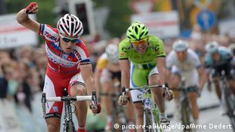 A shot from the 2013 installment of Frankfurt's annual cycling race.