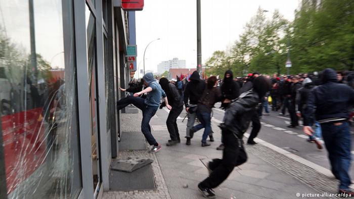 Напад радикалів на банк Sparkasse у Берліні, 1 травня 2013 року